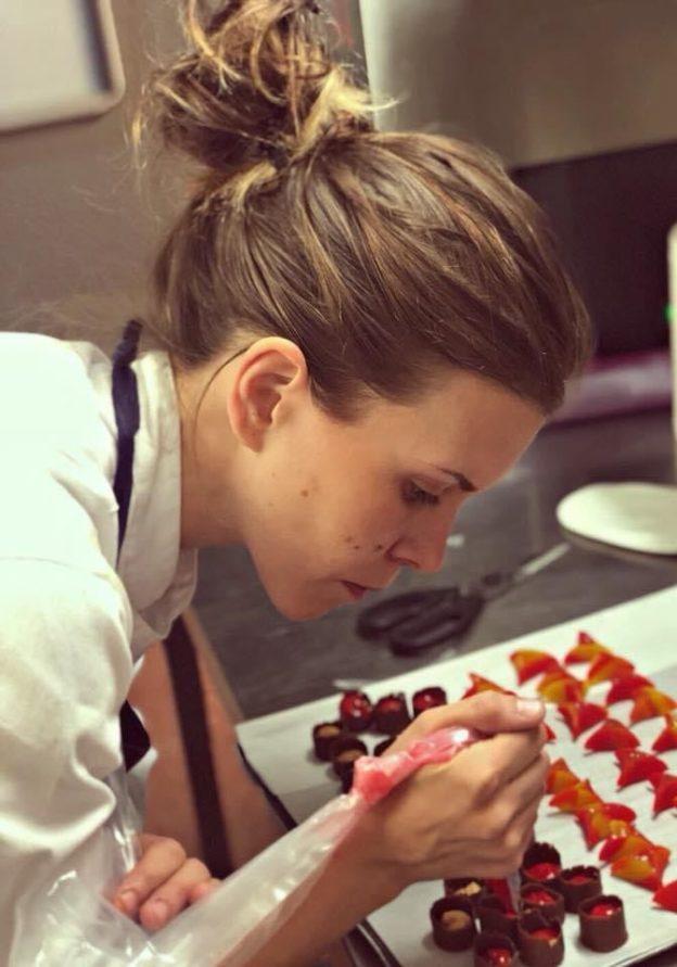 Cecilia Spurio, Sous-chef patissière nel ristorante Guy Savoy in laboratorio