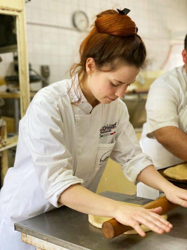 Melanié Morea Diplomata del 30^ Superiore di Pasticceria ALMA Assistant Pastry Chef all'École Valrhona