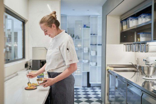 Maria Novella Salani, Diplomata del 27^ Corso Superiore di Pasticceria, pastry chef del Peter Brunel Ristorante Gourmet, * Michelin, premiata come Miglior Pasticceria dell'anno per Le Guide de L'Espresso 2021.